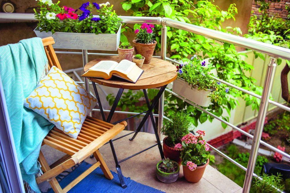 malenkij-balkon-303-978x650-5553924