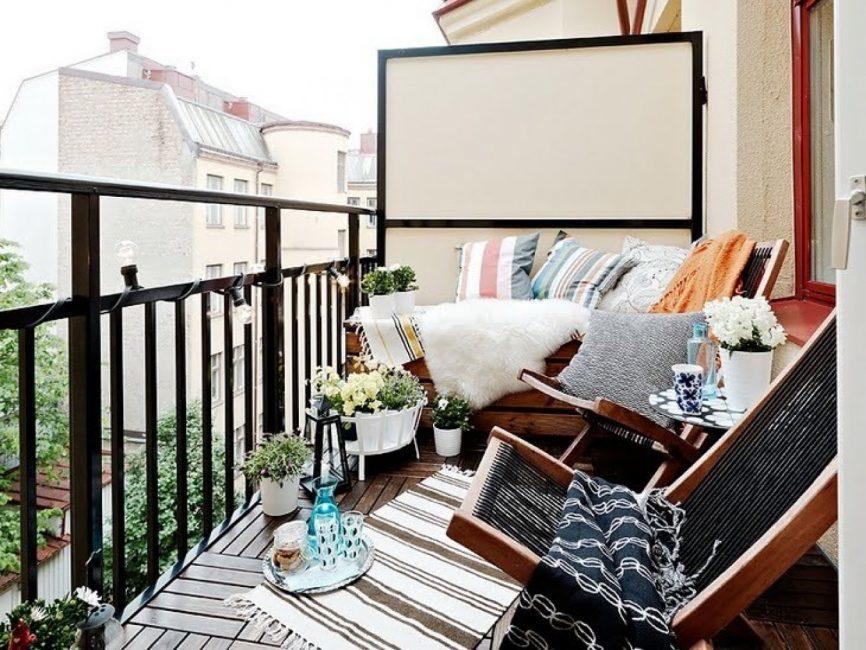 malenkij-balkon-306-866x650-8889425