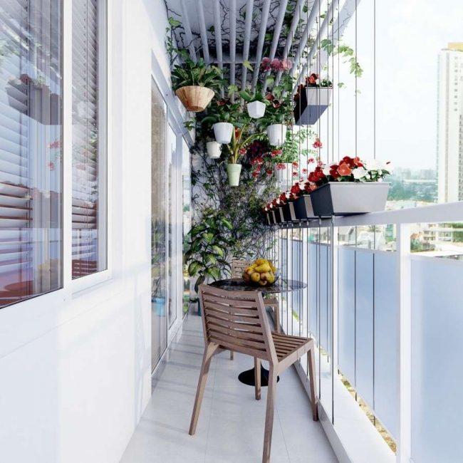 malenkij-balkon-307-650x650-1403775